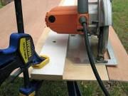 Uso de una madera como guía para una sierra circular