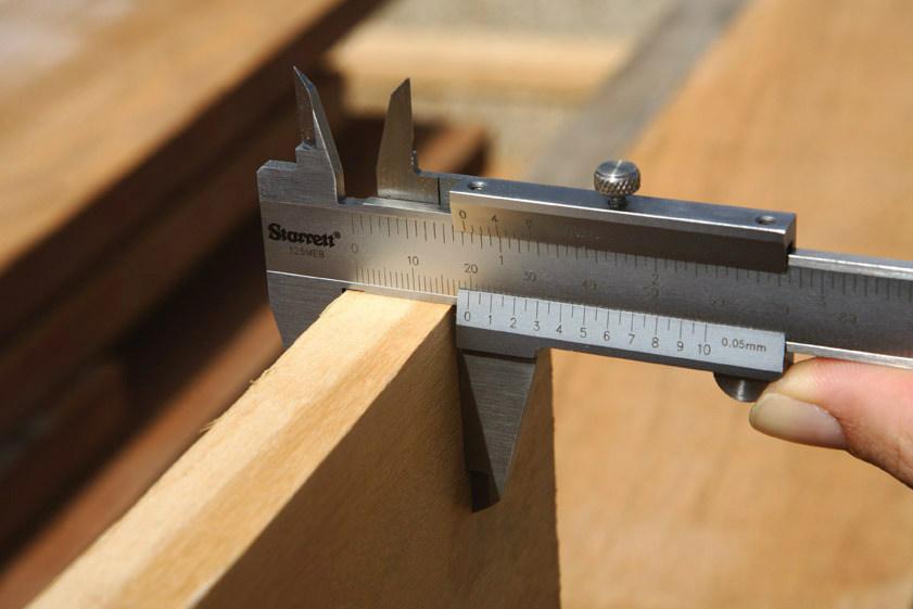 Calibre-pie-de-rey-mecanico-starrett-150mm-6-125mea