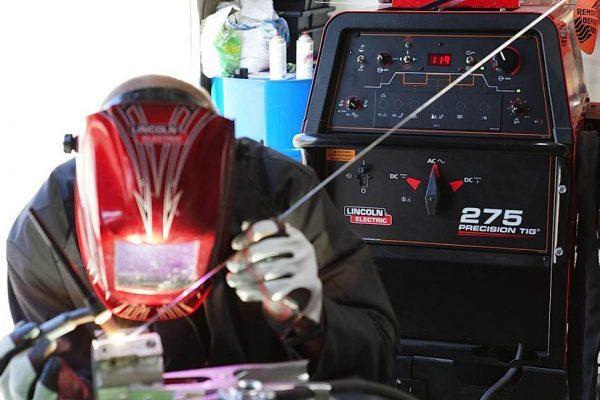 ¿Qué cuidados y mantenimiento básico deben tener las soldadoras?