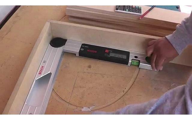 Medidor de angulos digital Bosch - Puerta