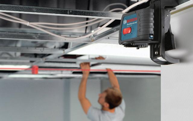 Construcción en seco ¿Cómo instalar y nivelar placas más rápida y eficientemente con el nivel láser?
