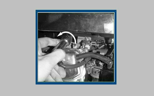 Mantenimiento de generador eléctrico - Inspección de bujía de encendido