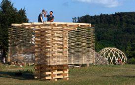 ¿De qué se trata el campamento Hello Wood Argentina y por qué es importante para el diseño y la construcción?