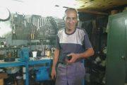 Día del Mecánico: Ramón, y una pasión que lleva más de 38 años