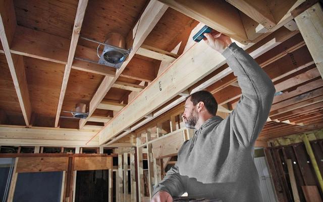 ¿Cómo medir en alturas más fácilmente para trabajos de decoración o bricolaje?