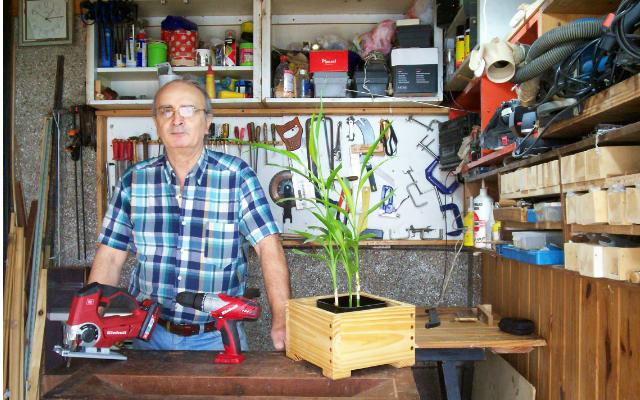 Juan Carlos Aquila en su taller