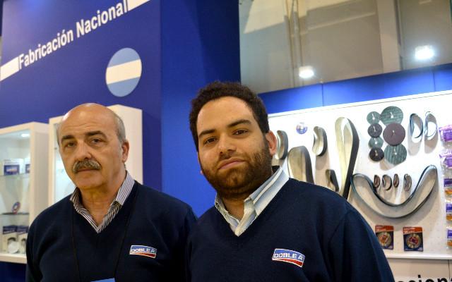 Mariano Sacco en el stand de Doble A - ExpoFerretera
