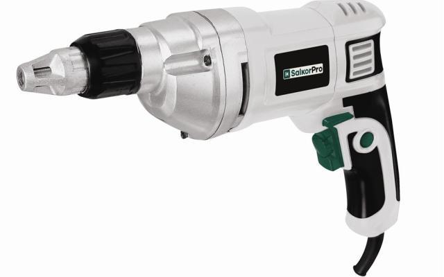 ¿Cómo saber cuál es el torque adecuado para trabajar con distintos tipos de tornillos y maderas?