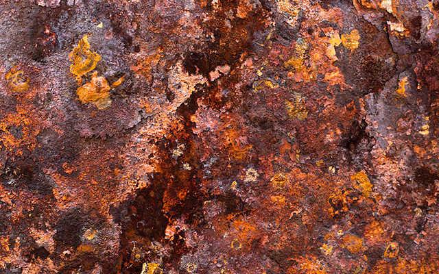 ¿Qué es y qué implica el proceso de corrosión en una herramienta?