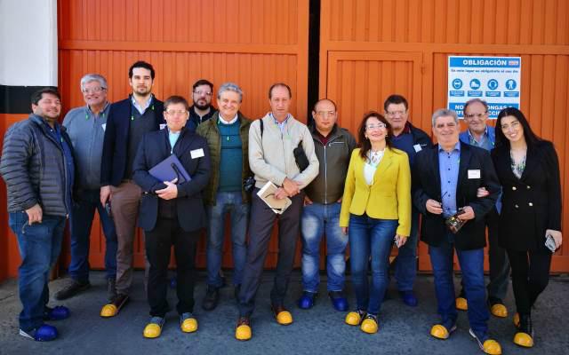 Participantes del recorrido de planta