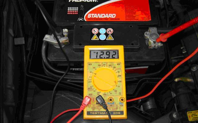 Multimetro para electricidad del automotor