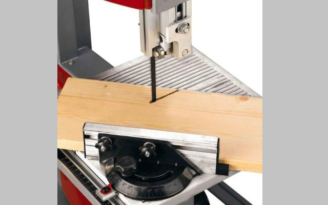 Sierra sin fin de banco - Corte de madera
