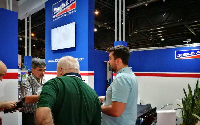 Doble A - Visiantes de la Automechanika