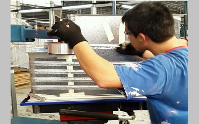 Cinta de aluminio utilizada en al armado de heladeras